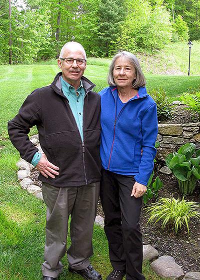 Cumberland Crossing Residents Steve Kaufman and Arlene Handschuch