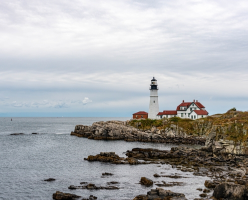 pros and cons of retiring in maine