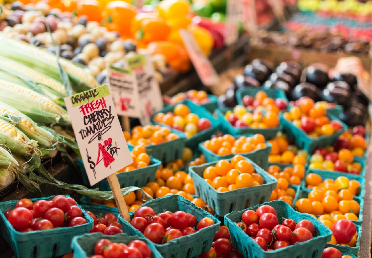 7 Tips for Shopping at Your Local Farmers' Market This Summer